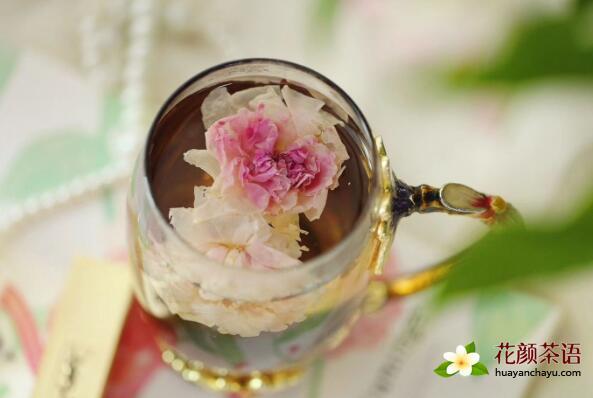 男人喝玫瑰花茶有利于减肥瘦身口气清新
