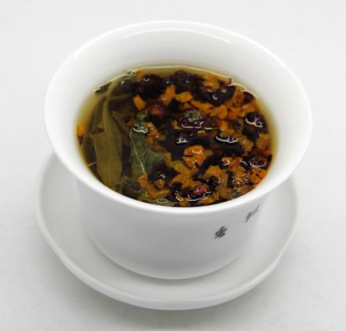 罗布麻茶和昆仑雪菊冲泡图
