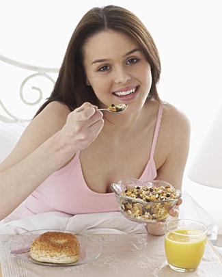 孕妇的饮食营养方案,多吃水果蔬菜不喝酒